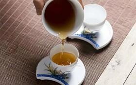 人生一杯茶,何必太清醒