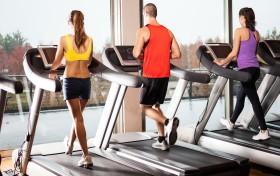 运动可抵御感冒,但过量运动后更易被病毒感染