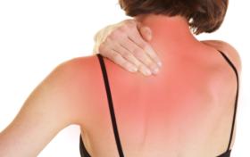 体内有癌,肩膀先知?若肩膀出现两种异常疼痛,暗示癌症已到中晚期?