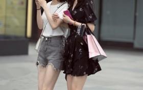颜值超高的姐妹,长发的更有美感!