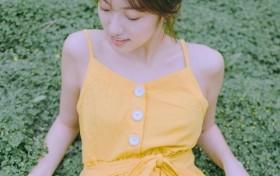 演员王美夏日写真曝光 气质清甜笑容温软
